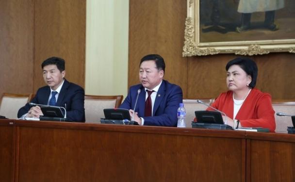 МАН-ЫН БҮЛЭГ: Ерөнхийлөгч болон АН-ын зөвлөлтэй  ойлголцох  чиглэлээр ажиллаж байна