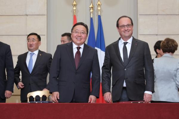 МУ-ын ерөнхийлөгч Ц.Элбэгдорж, БНФУ-ын ерөнхийлөгч Франсуа Олланд нарын хамтарсан мэдэгдэл