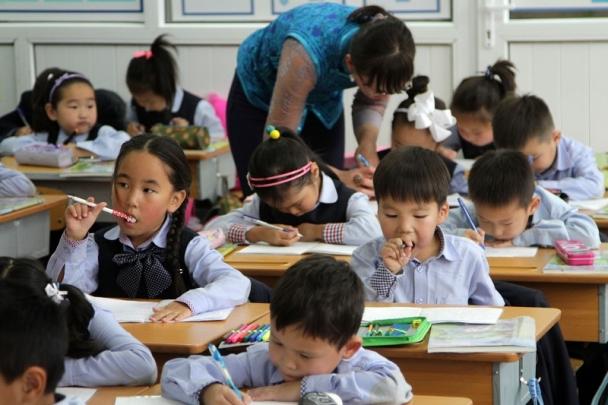 Энэ жил 34 мянга гаруй хүүхэд нэгдүгээр ангид элсэн суралцана